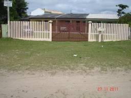 Aluga-se casas no Balneário Canoas - Pontal do Paraná, a duas quadras da praia, com wifi