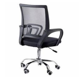 Cadeira de Escritório Giratória Com Base Cromada Preta 9050