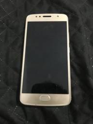 Moto G5s dourado