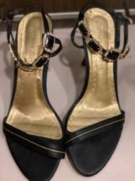Título do anúncio: Sandália preta com pedraria