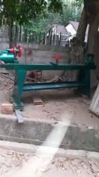 Torno para madeira tornea peças de 1,70 por 40 de diâmetro
