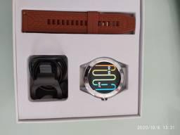 Smartwatch , relógio Inteligente Que faz e recebe ligações via Bluetooth.