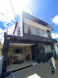 Casa em Condomínio - 5 quartos (3 suítes) + Área Externa Privativa - Geisel
