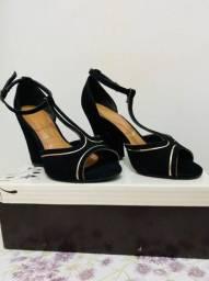 Vendo 3 pares de sandálias n*34 usadas  marcas Vizzano,Ramarim e areszzo,