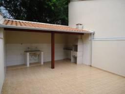 Casa com 03 quartos em Pouso Alegre