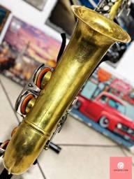 Troca Saxofone Tenor Vintage em Carro