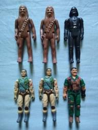 Bonecos Star Wars e comandos em ação.