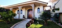 EXCELENTE CASA EM BAIRRO NOBRECasa com 3 dormitórios à venda, 230 m² por R$ 650.000 - Ofic