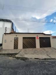 Casa 3quartos  sendo 1 suítes com closet e banheiro  com banheira