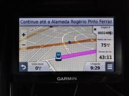 GPS automotivo Garmin com mapas instalados