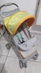 Carrinho de bebê moro na cidade de Embu das artes perto do PIRAJUSSARA