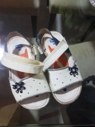 sandália Chico branca tamanho 24