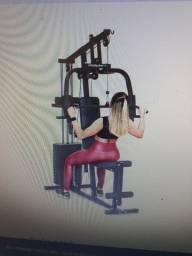 Estação de musculação.
