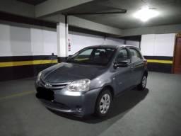 Toyota Etios HB X 1.3x 2013