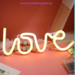 Luz de led em formato de love para decoração