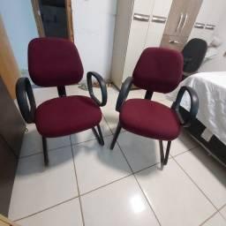 Cadeira Fixa com Braço de Apoio