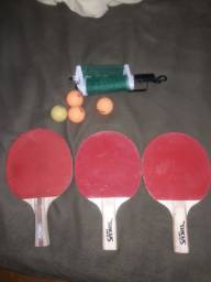 Raquetes rede e 4 bolinhas tênis de mesa