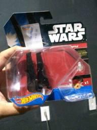 Coleção Hot Wheels Star Wars Command Shuttle.