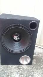 Caixa trio pra sair hj 600 reais um alto falante de 15 rex 600 uma 205