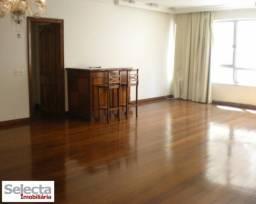 Apartamento com 160 m², na Avenida Delfim Moreira, no trecho mais nobre da praia do Leblon