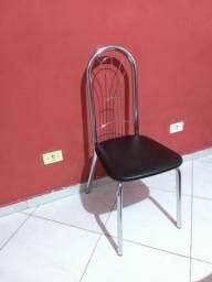 4 Cadeiras semi novas de inox
