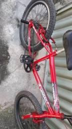 Linda bicicleta infantil aro.20 só 200,00