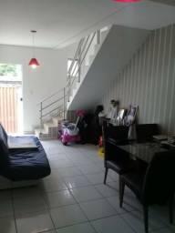 Ótima casa duplex 2 quartos em Betim