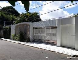 Belíssima Casa Ampla Arejada 360m² 5 Quartos 5 Vg Garagem Ótima Localização no Souza Veja