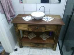 Balcao aberto de banheiro rustico