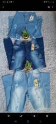 Promoção de peças de roupas novas
