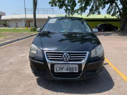 Volkswagen Polo sedã 1.6 08/09 completo com GNV e doc 2020 ok