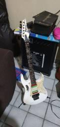 Guitarra jen feita por Gilson lira