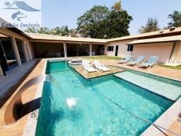 Imperdível!! Charmosa casa mobiliada no Condomínio Jardim das Rosas em Penedo, Itatiaia RJ