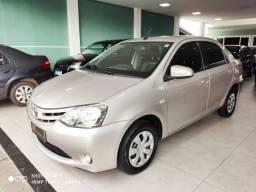Toyota etios sedan XS 1.5 automatico - financio