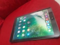 Vendo iPad Air 2 Dourado
