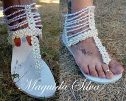 Lindas sandálias de pérolas