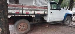 SILVERADO D20 CAMINHONETE com diferencial de caminhão 3/4. SÓ NO PONTO DE RODAR