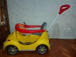 Carrinho Fusca infantil amarelo  1300 fouks