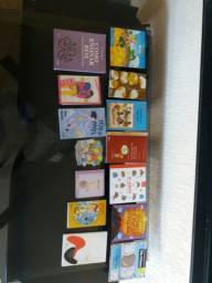 livros e brinquedos pedagógicos