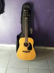 Vende-se violão michel ou troca por celular.