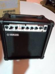 Amplificador de guitarra Yamaha GII