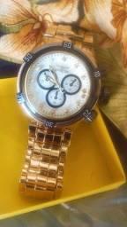 Relógio masculino pesado
