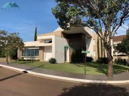 Sobrado com 3 dormitórios à venda, 398 m² por R$ 2.600.000,00 - Condomínio Fechado Village
