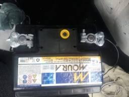 Vendo  bateria moura semi nova
