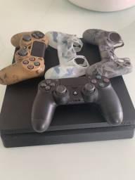 PlayStation 4 com 2 controles