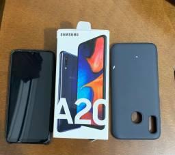 Samsug A20 novo na caixa com pouco tempo de uso