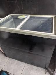 Vendo frezzer porta de vidro 220v