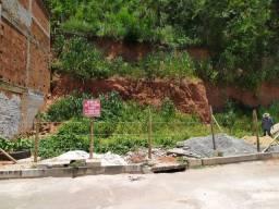 Vende-se Terreno no Bairro Vila Rica