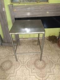 Vendo mesa de inox quadrada largura 62X 62 altura 80