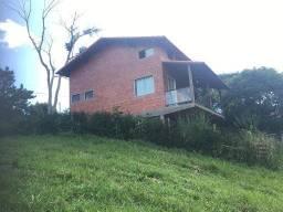 Título do anúncio: Linda casa rústica de veraneio em condomínio fechado - Sebastiana - Teresópolis RJ